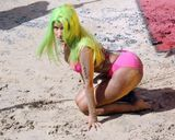 "Nicki Minaj Wrigglin' in Hawaiian Sun for ""Starship"""